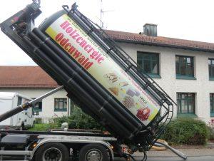 HeizSTARK 1 - Im Rathaus von Wald-Michelbach hat die ES eine betagte Ölheizung aus dem Jahr 1983 durch eine moderne Holzpelletanlage ersetzt