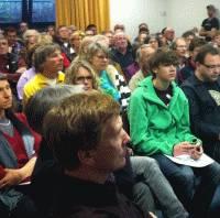 """""""Mutbürger"""" formieren sich zu Leuchtturmprojekt - Informationsveranstaltung zum Bürgerwindrad in Ober-Beerbach am 14.04.2011 mit unerwartet hohem Zuspruch"""
